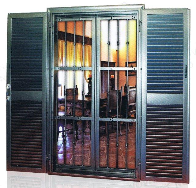 Grate e persiane di sicurezza roma ciampino appia - Protezione per finestre ...